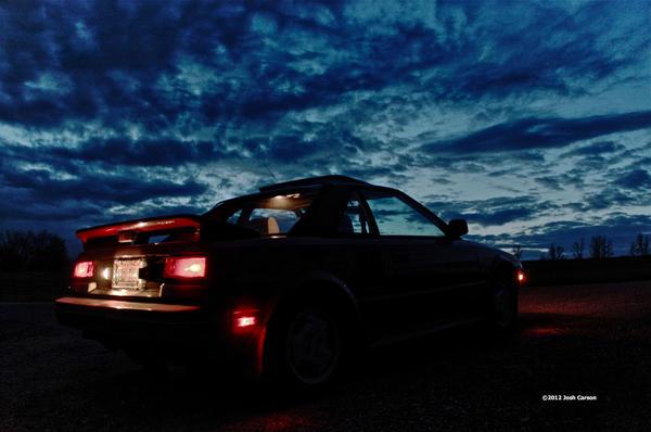 toyota_mr2_mk1_dusk_lights_glow.jpeg